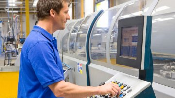 Discrete manufacturer using a control panel to check material status