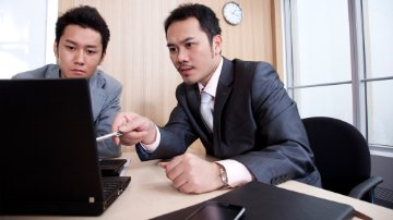 Finance managers using Collaborative invoice management solutions by SAP