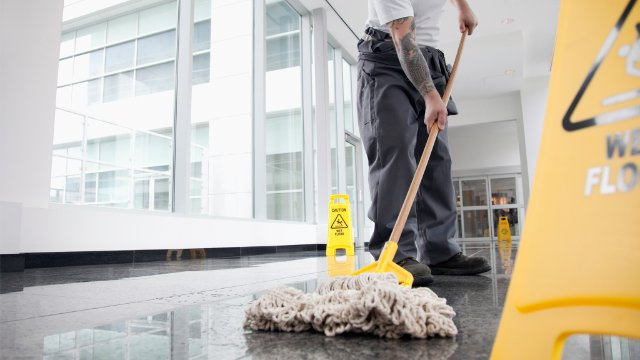Customers using Bona for cleaning their floor