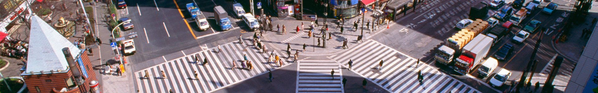 Pedestrians in a 4-way crosswalk