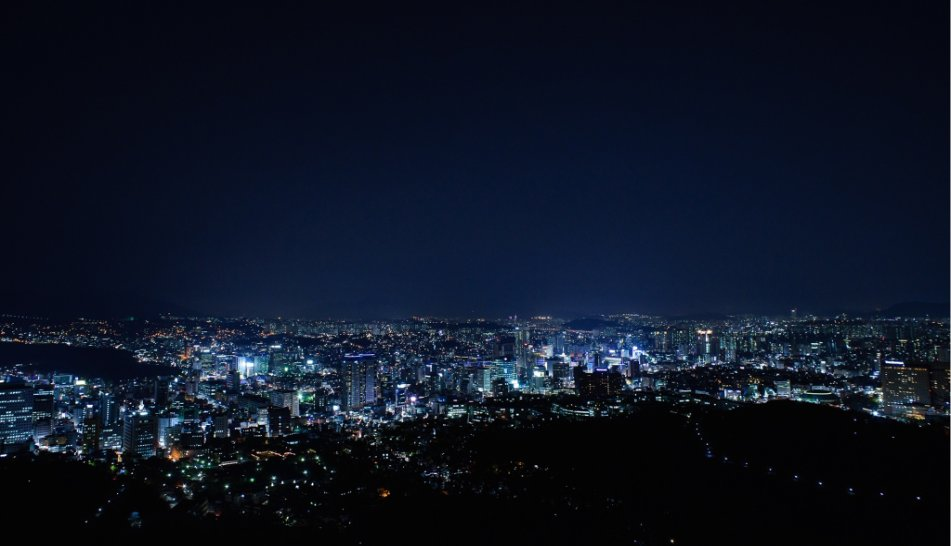 Cityscape of Seoul by night