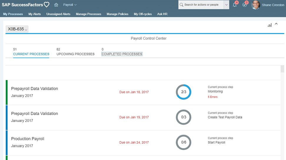 Captures d'écran de SAP SuccessFactors Employee Central Payroll, logiciel de gestion des collaborateurs en mode cloud sur une tablette